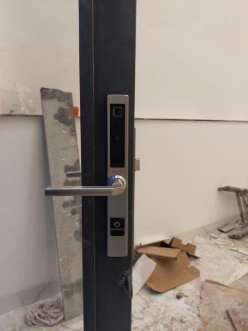 Khoá HomeKit AB-13D khóa vân tay 5in1 lắp cho cửa nhôm kính nhà khách