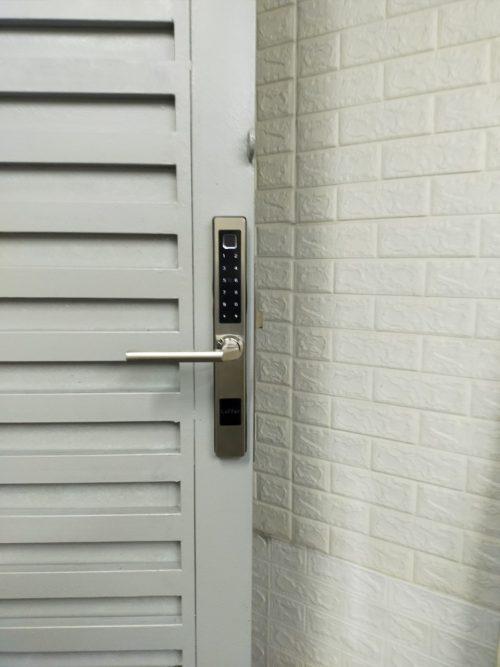 Khoá HomeKit AB-13D khóa vân tay 5 in 1 HomeKit lắp cho cửa sắt nhà khách